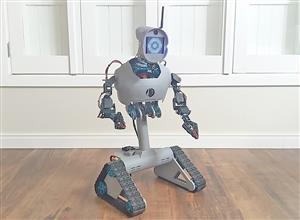 DIY multi task remote controlled robot (MDi #4)