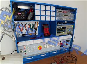 "Bench power supply for mobile electronics lab ""SeraLab"""