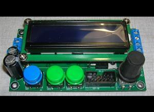 Low frequency square wave generator with memory rev. 2.2 | Низкочастотный генератор прямоугольных импульсов с памятью