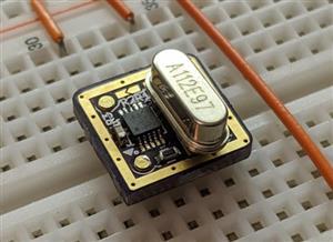 Customizable crystal oscillators Half size - can style