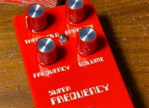 Super Frequency Harmonic Square wave distortion